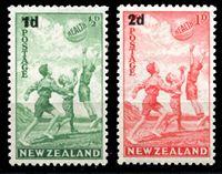 Bild von Новая Зеландия 1939 г. SC# B14-15 • Дети, играющие в баскетбол. надпечатки нов. номиналов • благотворительный выпуск • MLH OG XF • полн. серия ( кат.- $10 )