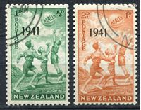 """Bild von Новая Зеландия 1941 г. SC# B18-19 • Дети, играющие в баскетбол. надпечатки """"1941"""" • благотворительный выпуск • Used XF • полн. серия ( кат.- $5 )"""