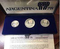 Bild von Аргентина 1978 г. • KM# 78-80 • 1000,2000 и 3000 песо • Футбол. Чемпионат мира 78 года (серебро 900 - 50 гр.) • памятный выпуск • BU- • пруф