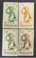 Bild von Мадагаскар 1946 г. SC# 430-433 • Местные жители • Mint/Used XF+